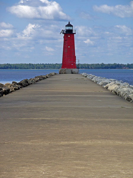 manistique-lighthouse