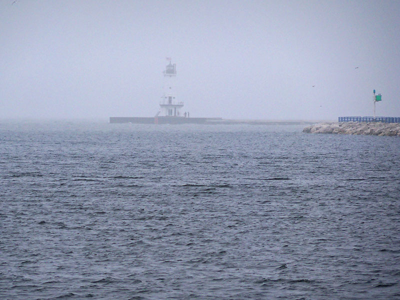 ludington-lighthouse-fog