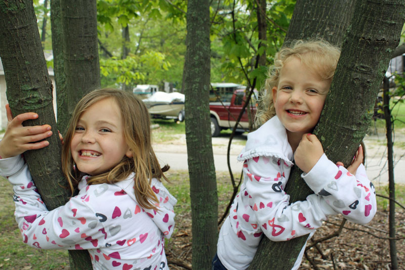 tree-girls-ludington