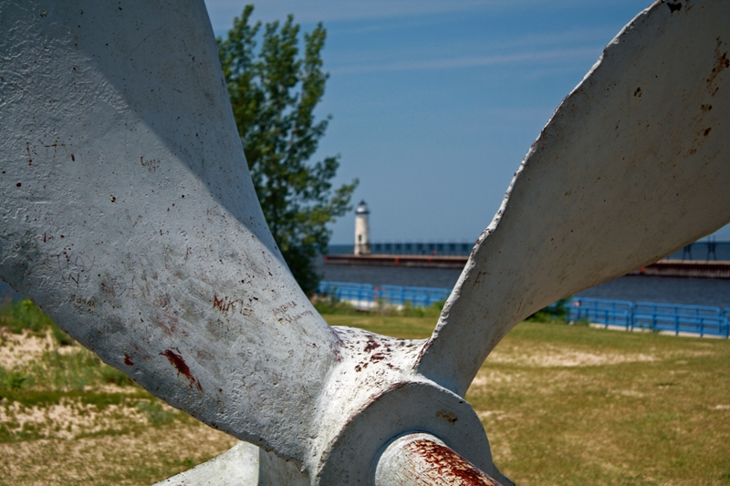manistee-lighthouse-2