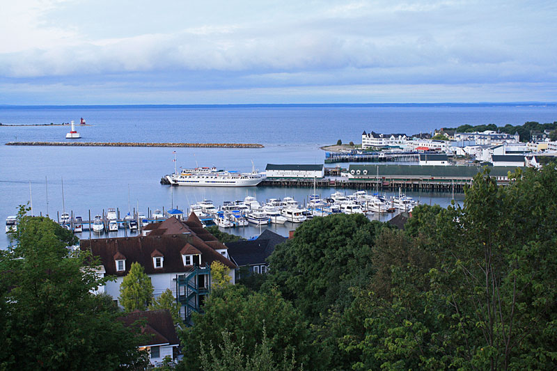 downtown-overlook-mackinac-