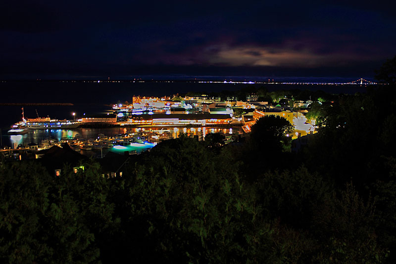 mackinac-island-night