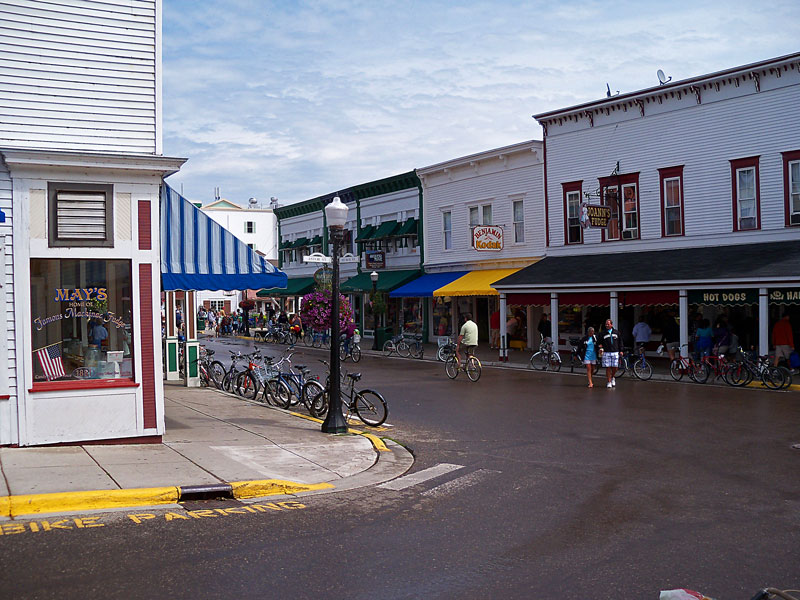 mackinac-main-street-2