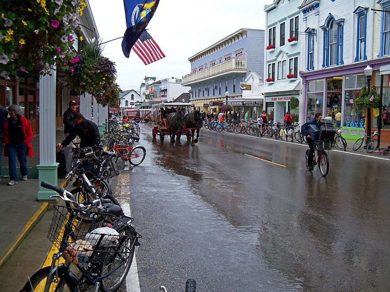 mackinac-main-street