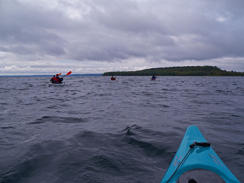 paddling-to-power-island