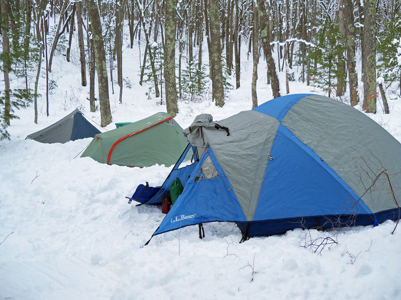 winter-camp-lost-lake