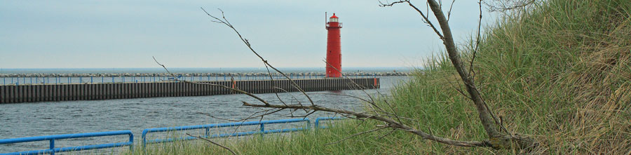 header-muskegon-harbor-lighthouse