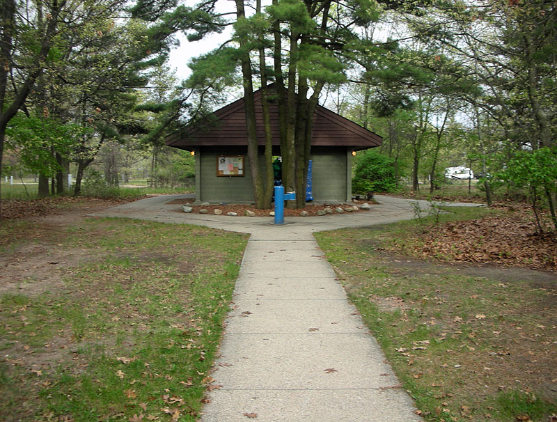 muskegon-channel-campground-bathhouse