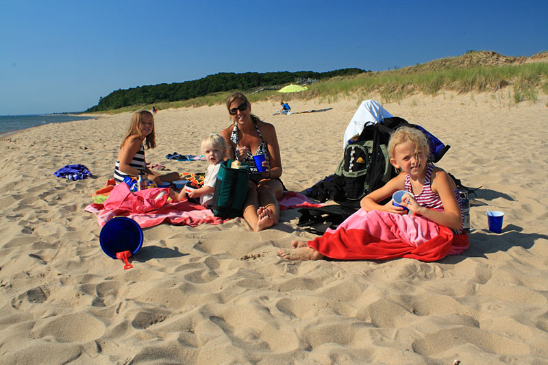 picnic-rosy-mound-beach
