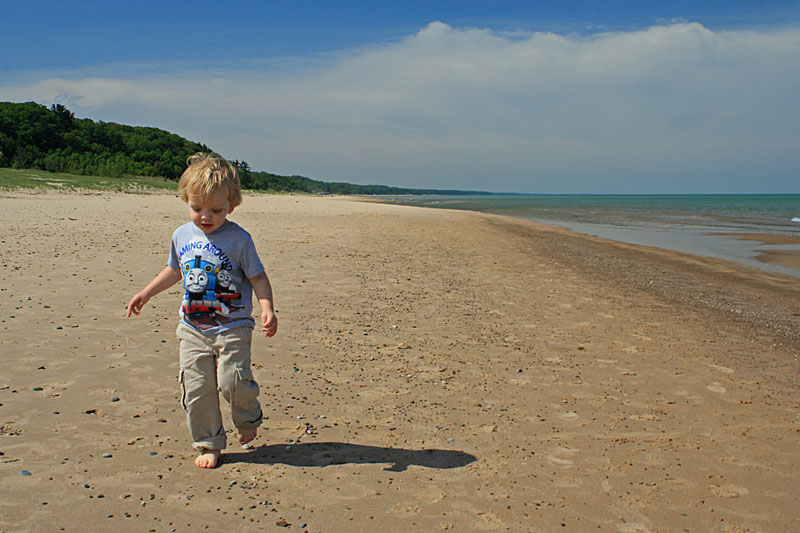 32-baby-running-on-beach