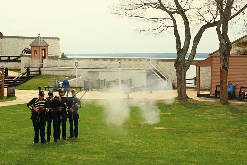 12-gun-firing-fort-mackinac