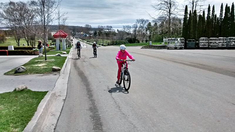 34-biking-mackinac-island