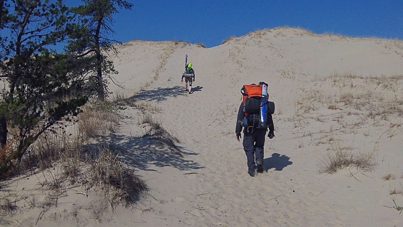 6-backpack-dune-climb-to-lighthouse-ludington