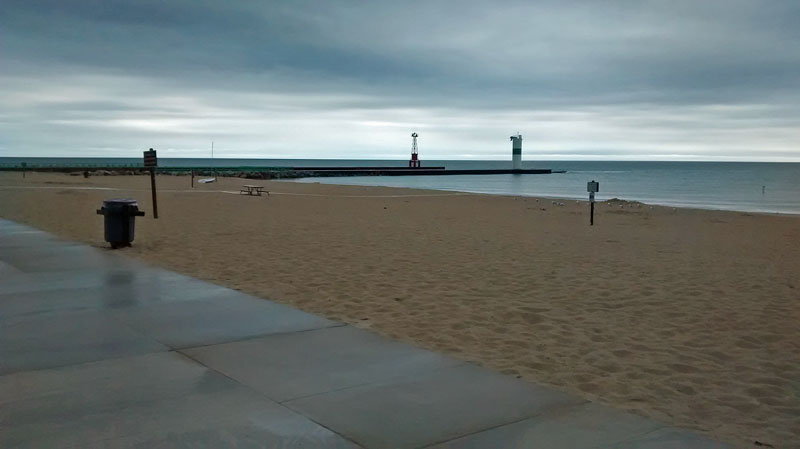28-rain-morning-pentwater-beach