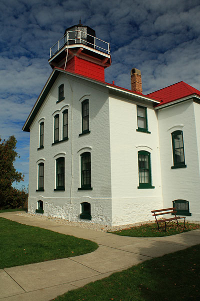35-grand-traverse-lighthouse