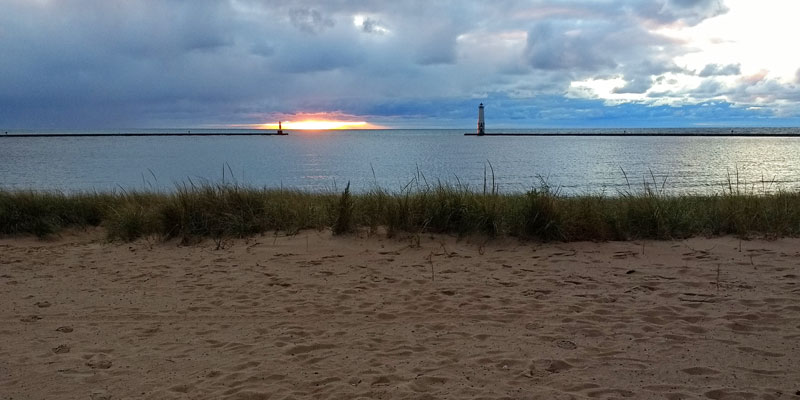 5-sunset-fankfort-harbor-mi
