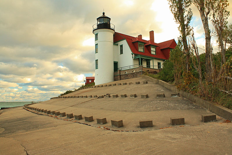 8-point-betsie-lighthouse